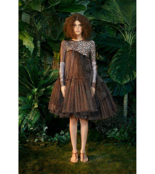 Assymetric Leopard Print Elbise manken üzerinde görünümü