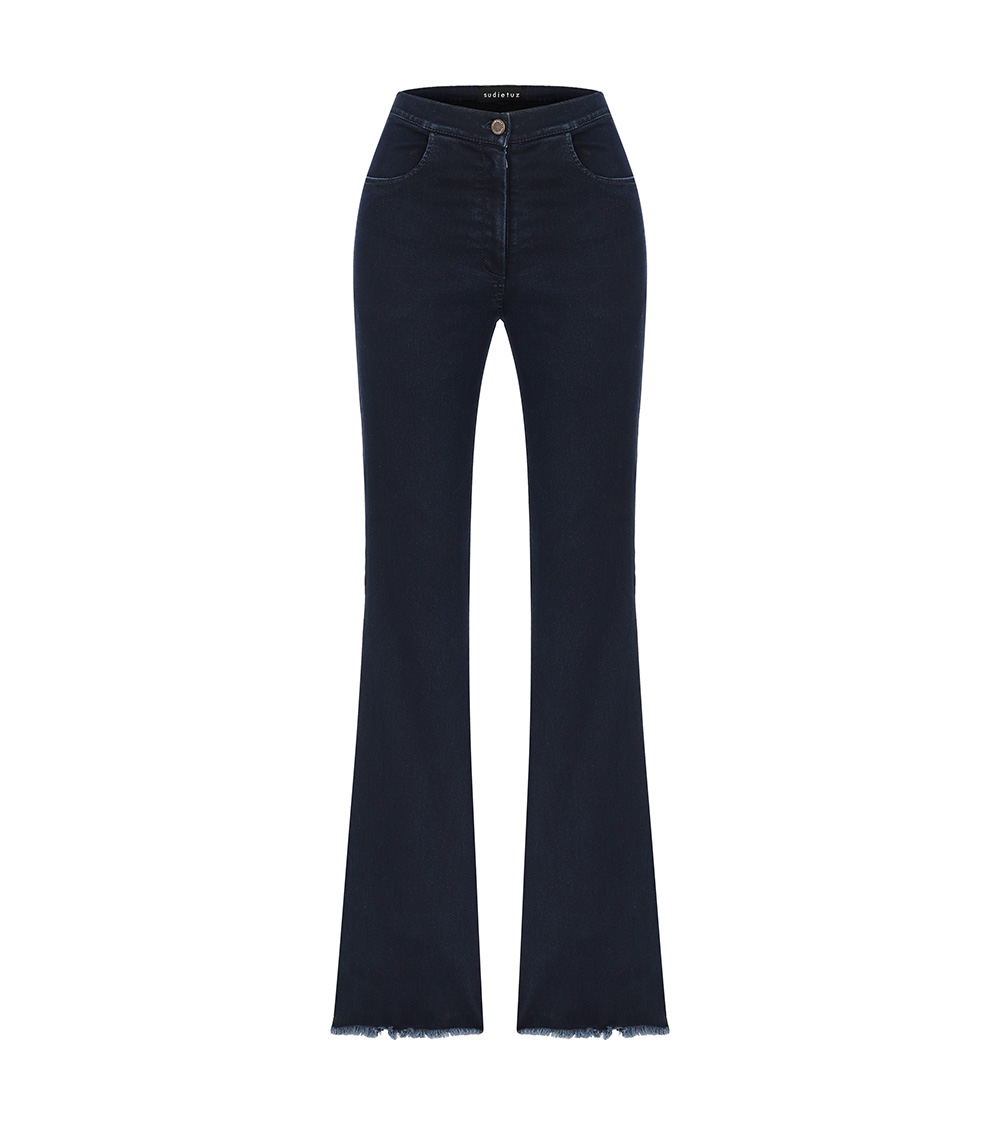 lera flare jeans front view